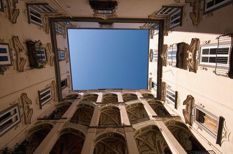 Palazzo dello spagnolo barocco alle stelle for Palazzo in stile spagnolo